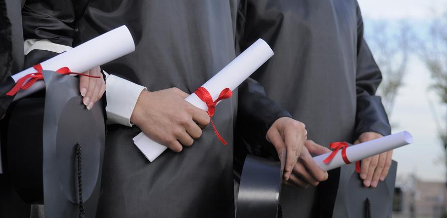 Legalizar título universitario Lingua Franca
